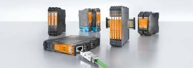 Convertidores, aisladores, displays y dispositivos para la conexión electrónica